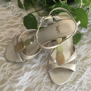 GUC IMPO sandals 7-1/2M goldish -tan